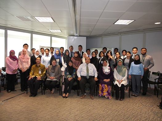 Veno, 2nd row and 4th from the right, during the Khaznah Scholarship on boarding session